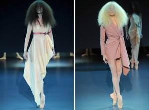 Bailarinas reais desfilam peças de Viktor & Rolf inspiradas nas roupas de ensaio, com efeitos colantes e curtos