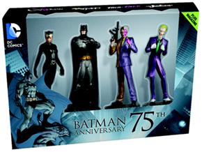 O box dos 75 anos do Batman traz 4 miniaturas e um livro de 48 páginas com a história do super-herói